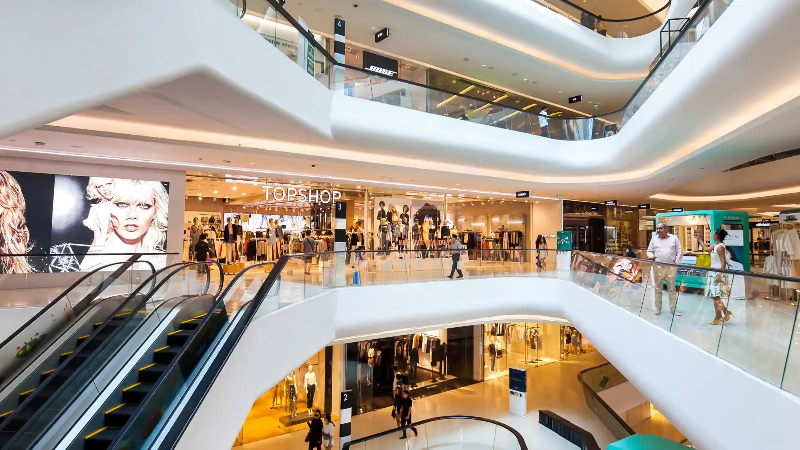 Luxury Shopping: What to Expect