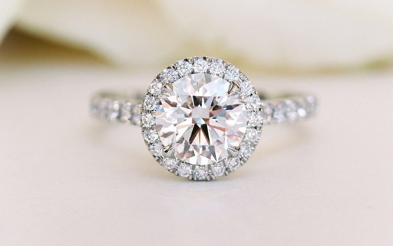 Why Moissanite Engagement Rings are becoming so popular?